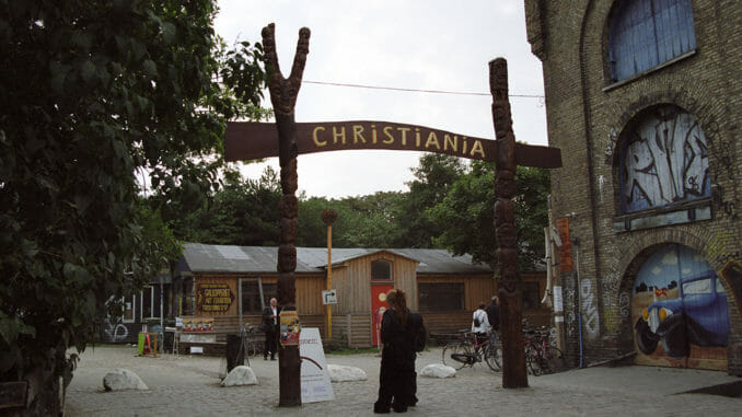 Christiania enter sign